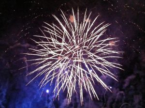 fireworks-1191925_1920